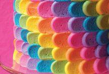 värikkäät kakut