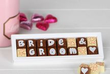 Newlywed/Engagement Gift Ideas for the Couple / We've got loads of great gift ideas for a newly engaged or married couple!