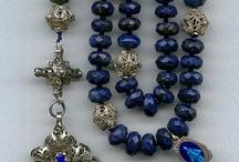 EN MISA : virgenes, santos , rosarios , misales, estampitas...... / by Ana Maria Gabarro