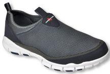 Flip Flops & Hawaiian Socks / Men's and Women's sandals and socks.