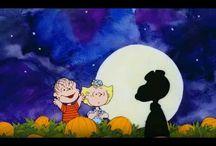 Halloween Movies & Videos / by Christina Oberdecker