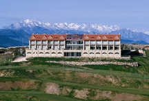 abba Comillas Golf Hotel**** - Hotel in Comillas (Cantabria) / The abba Comillas Golf Hotel**** has 55 rooms as well as restaurant offering traditional cuisine, a golf course, gym and spa. It is set within the grounds of the 9-hole Rovacias golf course, overlooking the sea and the horizonof the Picos de Europa. The hotel is situated in the town of Comillas, 40 km. from Santander and its airport. / by Abba Hoteles