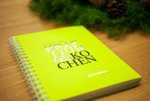 KRAFTJUNGS KOCHEN! / Das Fest der Liebe geht bei den meisten auch durch den Magen. Deshalb haben wir uns dazu entschlossen, zu Weihnachten allen Kunden, Geschäftspartnern und Freunden der Agentur ein Kochbuch zu schenken. Aber nicht irgendeines, sondern ein ganz individuelles, was es so nirgends zu kaufen gibt – KRAFTJUNGS KOCHEN.