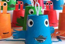 animales en vasos plásticos