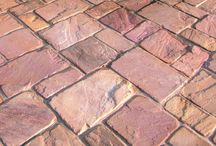 Stoneworld Landscaping Stone for the garden / Stoneworld sell high quality natural stone landscaping materials to the public and trade.  We have an extensive range of paving, rockery stone, pebbles, ornamental gravels & building stone for your garden projects