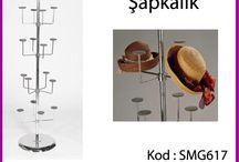 Mağaza Orta Standları / Mağaza dekorasyonu ve raf sistemlerinde kullanılan Orta standlardır. Genel olarak birçok isimle adlandırılır. Orta Stand, Mağaza Teşhir Standları,Orta Ünite,Mağaza Askı standları