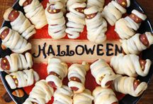 Halloween Foods/Drinks / by Vickie Hamann-Goldstein