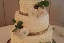 rustic wedding cakes / cakes that fit into a rustic or vintage theme