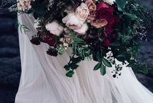 P I N K Y : S T E V E N / The overall look is romantic and luxe with wild foliage's and an overgrown feel throughout. The colour palate is burgundy, deep wine, blush, cream and nude tones. Flowers in season are roses, dahlia's, David Austin's, hydrangea, amaranthus and anemones (if imported) 8.4.18