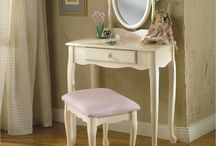 dressing tables / by Victoria Paizs