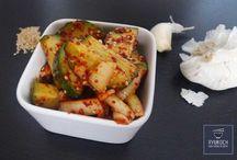 ►RyuKoch.de Koreanische Rezepte / Wir bieten viele koreanische Rezepte/ Gerichte auf unserem Blog https://ryukoch.de/rezepte/land/korea/ an.