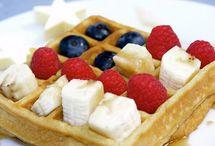 food - breakfast ideas / by Christine Higgins Tetzlaff