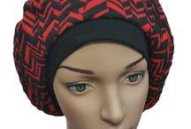 Damen Basken Mützen / Basken Mützen sind schöne modische Accessoires für Frauen mit runder Gesichtsform. Sie strecken optisch Ihr Gesicht und man kann sie in vielen Varianten tragen.