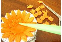 Cake Decorating Flower Tutorials / by Iva Burnette