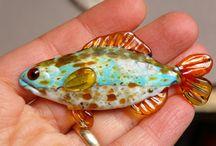fish / lampwork glass cabochon fish created by glass artist Cleo Dunsmore Buchanan