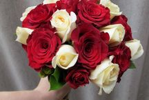 Red and white wedding flowers / Red and white wedding