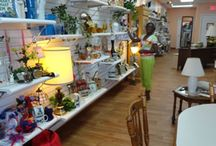 Hospice Thrift Stores / Hospice of Marion County has 4 thrift stores located throughout Marion County:  http://www.hospiceofmarion.com/thriftstores.html