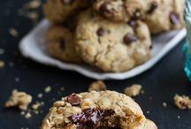 Cookies / Oatmeal chocolate chip cookies
