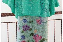 Kebaya Batik Ikat
