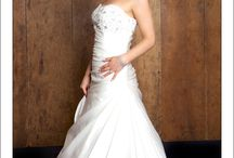Liney's Hair / Available at www.lineysbrides.com 01455 615660 enquiries@lineysbrides.com bridal hair specialists.