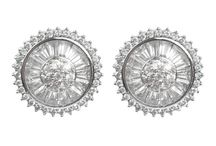Margaret Rowe Diamontage Post Earrings / Stunning short and post Margaret Rowe Diamontage earrings. The perfect look for bridal, weddings, special occasion.
