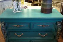 Chalk Paint® Florence / Furniture and items painted with Chalk Paint® color Florence
