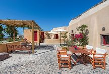 Villa Amelie #Santorini #Greece #Island / Villa Amelie Cellars in the island of Santorini, sits among the historical cave houses on a winding footpath in the charming medieval village of Finikia. http://www.mygreek-villa.com/fr/rent-villa-search-2/villa-amelie