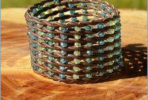 Bangle bracelet wiever
