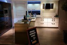Showmodel keuken 46 / Showroomopruiming bij Grando Keukens & Bad Hoorn.   Verschillende showmodellen zoeken een nieuwe eigenaar. Wij gaan plaats maken voor de najaarscollectie van 2014 en bieden deze showkeukens aan met zeer hoge kortingen.
