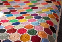 takaró / crochet or knitted blanket patterns, granny square patterns, hexagon patterns, crochet applique, babyblanket ideas horgolt, kötött takarók, plédek, nagyikocka minták, hatszög
