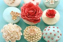 Cupcakes, cupcakes, everywhere / Cupcakes are nice to look at and nice to eat