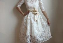 Brautkleid und Anzug