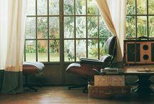 Inspiration / Una delle migliori poltrone mai realizzate, un' icona Eames Lounge Chair One of the best armchair ever made , an icon Eames Lounge Chair   sound Savant - Ghetto Blastah: http://youtu.be/aA_Mmg-VIhw