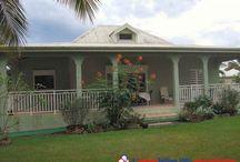 Guadeloupe : Biens à vendre entre particuliers / Tout le charme de la Guadeloupe, une architecture typique, des matériaux locaux, les maisons et les appartements, traditionnels ou contemporains, ou autres biens directement vendus par des particuliers.