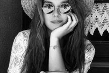 Hellowww Hippie Girls..