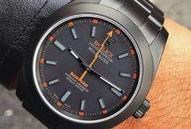 Schweizer Uhren / Die Rolex SA ist ein selbständiger Uhren-Konzern mit Hauptsitz in Genf (Schweiz). Aufgrund der sehr starken Markenposition ist Rolex die meistkopierte Uhrenmarke der Welt. Die Armbanduhren werden im oberen Preissegment ab 4.500 € (Stand Februar 2016) angeboten.