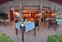 Ristorante la Goletta / Aperto non stop dalle 12.00 alle 23.00. Traditonal italian cuisine. Nonstop serving from 12.00noon to 23.00hrs.