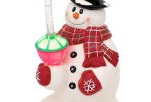 Christmas Home Decor / Make your Christmas home decor the talk of the season with these Christmas decoration.