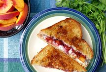 Food [ Sandwiches ] / Yummy sandwich recipes and lunch ideas / by Diary of a Semi-Health Nut