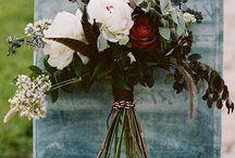 Wedding Flowers / by Mariah Eckley
