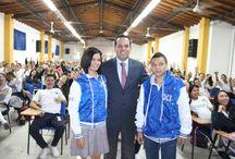 Entrega de chaquetas PROM 2015 / El alcalde Carlos Andres Trujillo recorre la 24 Instituciones Educativas de Itagüí haciendo entrega de las chaquetas a los jovenes de grado 11
