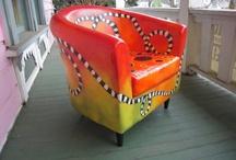 Helvi Smith Paints a Chair