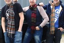 Men Scarves / Men in Tartan scarves are available in a wide range of solid colours and tartan with extra décor, checks these scarves offer superb value. and is the perfect way to keep you warm on a chilly evening out.  Great as a gift for any occasions ...birthdays, anniversaries or father's day.  Shop at Hip Angels for next day Delivery.