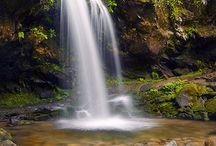 Waterfalls / Great Smoky Mountains have many beautiful waterfalls.