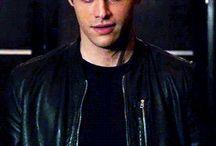 Alec lightwood/Matthew Daddario / i like he...very
