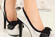 Shoes / Des chaussures des chaussures et encore des chaussures