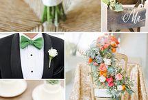 Emerald green bridesmaids / Wedding flower ideas for emerald green bridesmaids