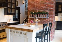 Kitchens / by Lizzy Owens
