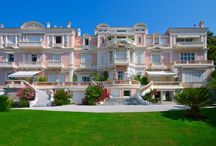 Prestigious Bourgeois apartment for sale in Cannes Californie / This property was the residence of the Grand Duke Mikhaïl of Russia and his wife, it housed many social receptions from the late nineteenth to early twentieth century, and welcomed very famous guests in its beautiful ballroom, some of them being from royalty and Russian aristocrats.