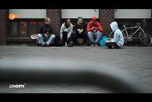Deutschlands Kinder ohne Zukunft / Einmal Arm immer Arm! Die Zukunft der Jugend in Deutschland: Armut, Hartz IV und Obdachlosigkeit - Die Opfer der Politik zur Mehrung des Reichtums von Konzerne, Banken, Eliten, Reiche und Superreiche. Ergebnis der Politik: Kinderarmut, Altersarmut, Armutsfamilien, Hungerlöhne, Preis- und Mietwucher, Obdachlosigkeit, Hartz IV, Tafeln, Suppenküchen, Kleiderkammern, Soziale Kaufhäuser.